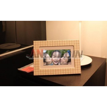 7-inch high-definition widescreen / Wooden Digital Photo Frame