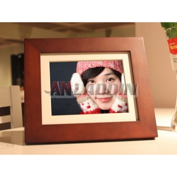 8-inch wooden digital photo frame