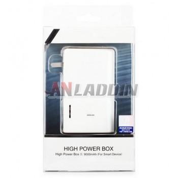 9000 mA mobile power bank with plug