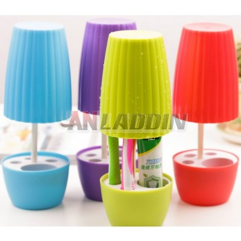Creative plastic dustproof toothbrush holder