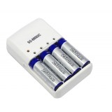 2500 mA rechargeable AA batteries * 4 + four-channel standard charger