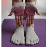 Antibacterial yoga toe socks + yoga gloves