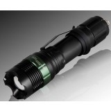 Q5 Zooming LED Flashlight with hanging clip