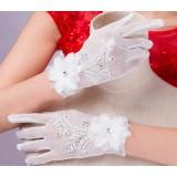 White flowers bridal tulle gloves